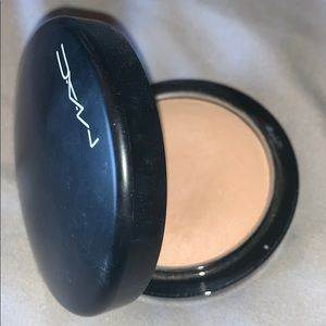 MAC cosmetics mineralized face powder